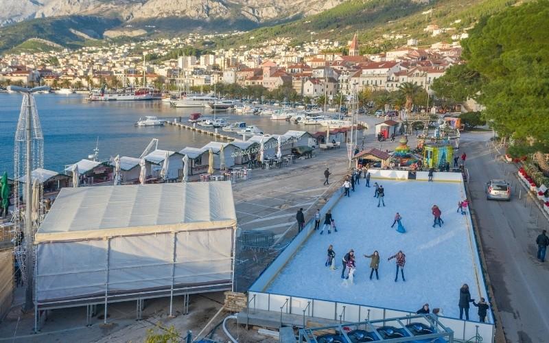 Ice Wonderland™ klizalište na Makarskoj rivi